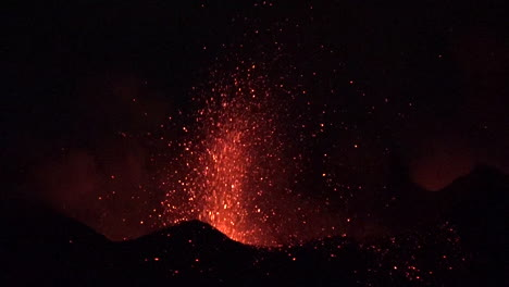 The-Cabo-Verde-volcano-erupts-at-night-in-spectacular-fashion-on-Cape-Verde-Island-off-the-coast-of-Africa-10