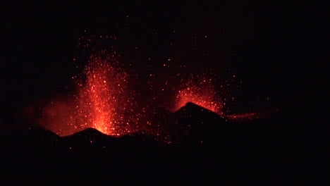 The-Cabo-Verde-volcano-erupts-at-night-in-spectacular-fashion-on-Cape-Verde-Island-off-the-coast-of-Africa-11