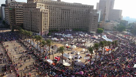 Crowds-gather-in-Cairo-Egypt