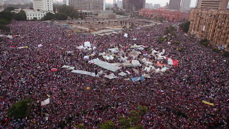 Crowds-gather-in-Tahrir-Square-in-Cairo-Egypt-4