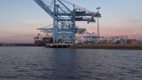 Wide-Shot-At-Sunset-Of-Los-Angeles-Port-Of-San-Pedro-4
