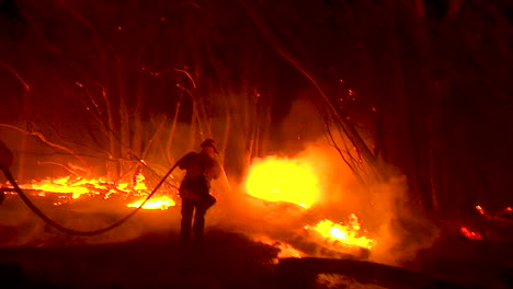 Firefighters-Work-Hard-To-Contain-Brush-Fires-Burning-Out-Of-Control-During-The-Thomas-Fire-In-Ventura-County-California-2