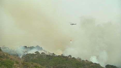 Firefighting-Helicopters-Make-Water-Drops-On-The-Thomas-Fire-In-Santa-Barbara-California
