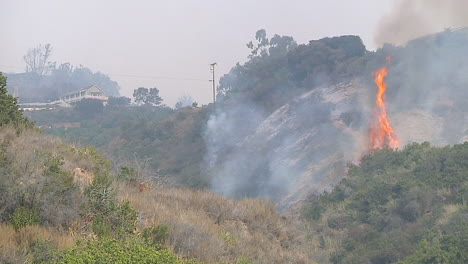 The-Thomas-Fire-Burns-Out-Of-Control-In-The-Hills-Of-Ventura-County-And-Santa-Barbara-California-1