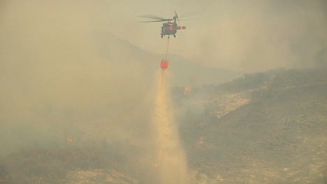 Firefighting-Helicopters-Make-Water-Drops-On-The-Thomas-Fire-In-Santa-Barbara-California-4