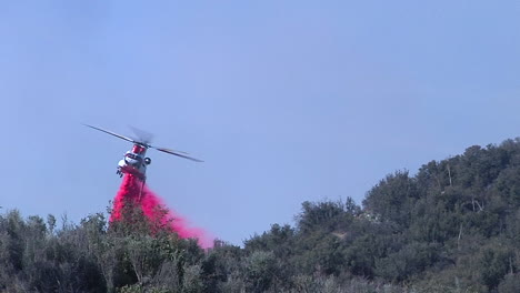 Firefighting-Helicopters-Make-Water-Drops-On-The-Thomas-Fire-In-Santa-Barbara-California-5