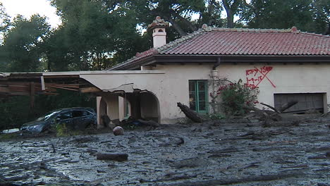 Fire-Crews-Inspect-Damage-From-The-Mudslides-In-Montecito-California-Following-The-Thomas-Fire-Disaster-6