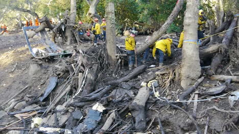 Search-And-Rescue-Crew-With-Cadaver-Dog-Inspect-Damage-From-The-Mudslides-In-Montecito-California-Following-The-Thomas-Fire-Disaster-3