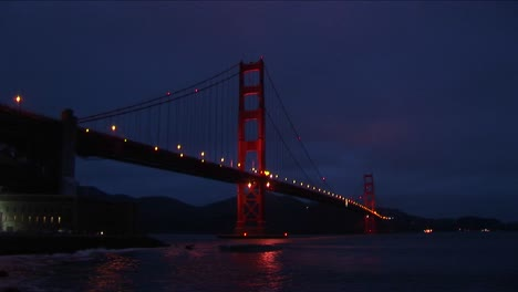 A-Spectacular-Nighttime-View-Of-Historic-Golden-Gate-Bridge