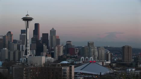 Seattle-S-Landmark-Space-Needle-Dominates-The-City-S-Skyline-During-The-Golden-Hour