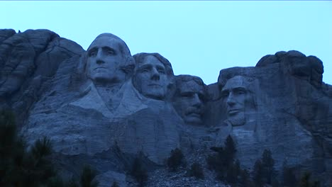 Mt-Rushmore-Looks-Blue-In-This-Low-Light-Footage