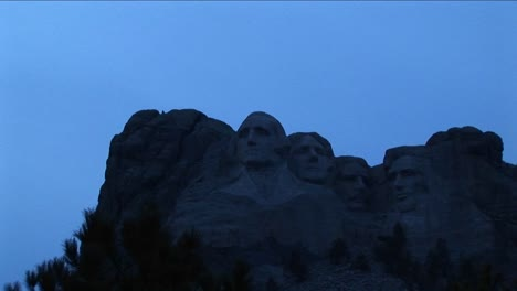 Mt-Rushmore-In-Low-Light