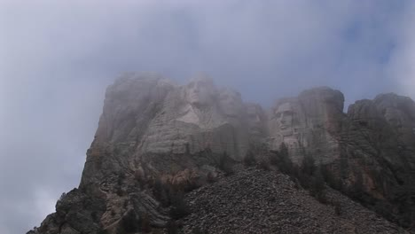 A-Misty-View-Of-Mt-Rushmore-S-Worldrenowned-Sculptures