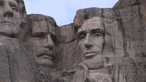 Presidents-Theodore-Roosevelt-And-Abraham-Lincoln-Are-Featured-In-This-Detail-Of-Mt-Rushmore