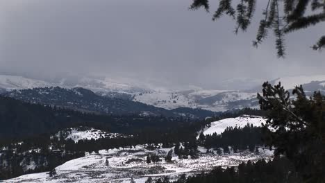 A-Panoramic-View-Of-Snowtopped-Mountain-Peaks