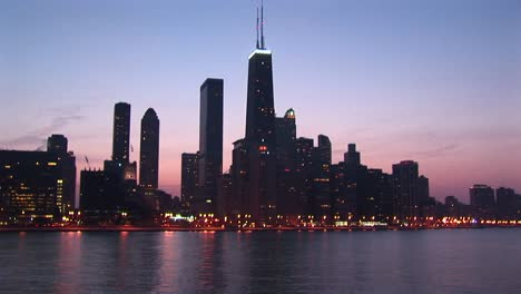 Chicago-S-Sears-Tower-Dominates-This-Skyline-Shot-During-Goldenhour