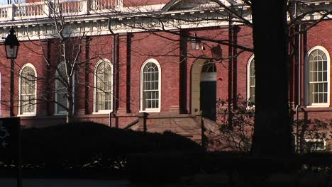 The-Camera-Focuses-On-A-Harvard-University-Building-Designed-In-Colonial-Style-Of-Architecture