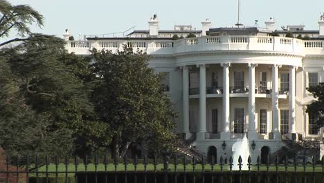 The-Camera-Pansright-From-One-Side-Of-The-White-House-To-The-Other