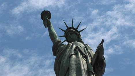 The-Camera-Pansleft-Across-The-Statue-Of-Liberty