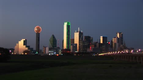 Skyscrapers-Highlight-The-Downtown-Dallas-Tx-Skyline