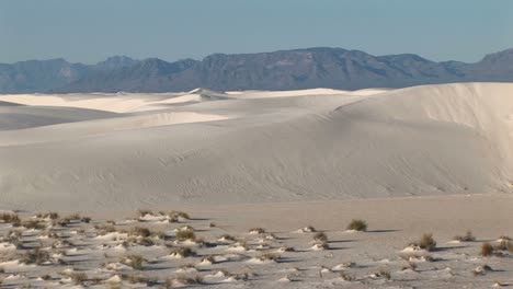 Panleft-Of-Distant-Mountains-And-Sand-Dunes-At-White-Sands-National-Monument-In-New-Mexico