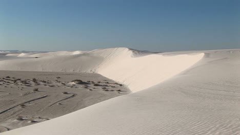 Longshot-Of-A-Sand-Dune-At-White-Sands-National-Monument-In-New-Mexico