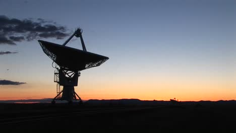 Medium-Shot-Of-An-Array-At-The-National-Radio-Astronomy-Observatory-In-New-Mexico