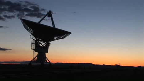 Mediumshot-Of-An-Array-At-The-National-Radio-Astronomy-Observatory-In-New-Mexico