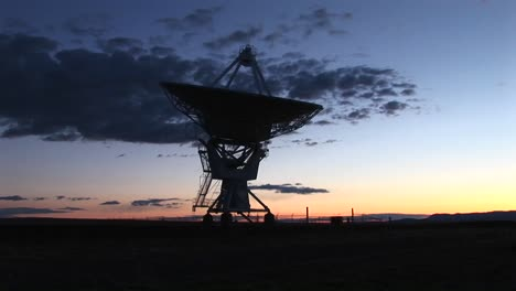 Medium-Shot-Of-An-Array-At-The-National-Radio-Astronomy-Observatory-In-New-Mexico-1