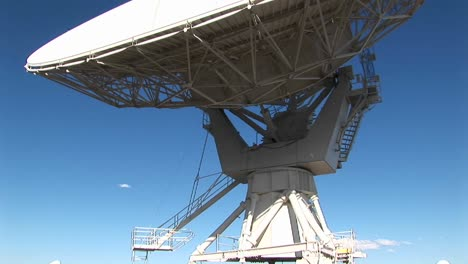 Panup-Of-A-Satellitedish-At-The-National-Radio-Astronomy-Observatory-In-New-Mexico