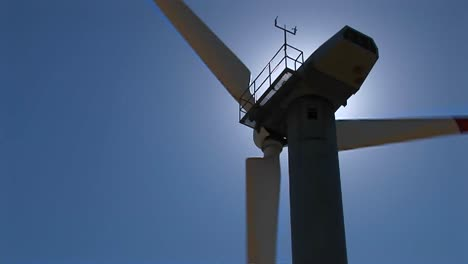 Closeup-Of-The-Rotor-Nacelle-And-Tower-Of-A-Wind-Turbine-At-Tehachapi-California