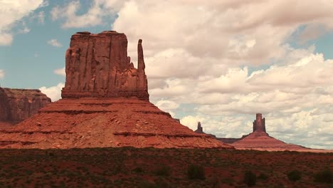 Longshot-Of-The-Mittens-Formation-At-The-Monument-Valley-Tribal-Park-In-Arizona-And-Utah