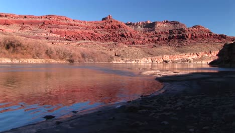 Mediumshot-Of-The-Colorado-River-Meandering-Through-Canyonlands-National-Park