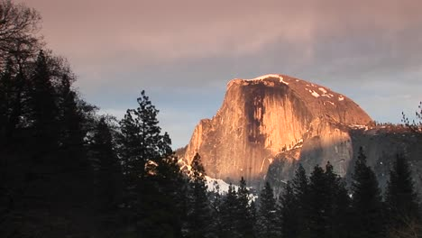 Medium-Wide-Shot-Of-Yosemite-S-Half-Dome-During-The-Goldenhour