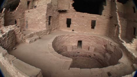 Panright-Of-A-Circular-Structure-Amid-The-Ruins-Of-Native-American-Cliff-Dwellings-In-Mesa-Verde-National-Park