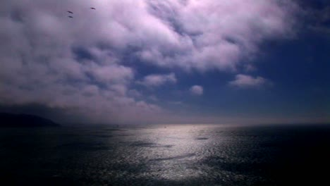 Timelapse-of-clouds-moving-over-the-ocean