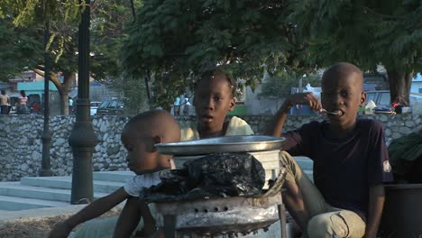 Refugees-on-the-streets-following-the-Haiti-earthquake