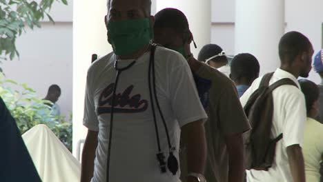 Injured-victims-of-the-Haiti-earthquake-wait-outside-for-medical-treatment-1