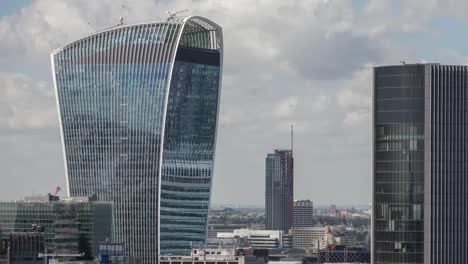 Walkietalkie-Building-Close-4K