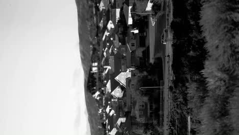 Abstract-sideways-shot-of-a-black-and-white-upscale-suburban-neighborhood