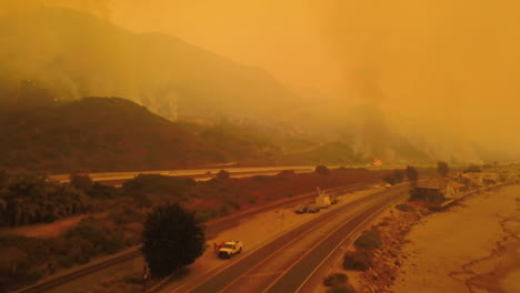 Aerial-of-firefighters-battling-the-huge-Thomas-fire-in-Ventura-County-along-the-101-freeway