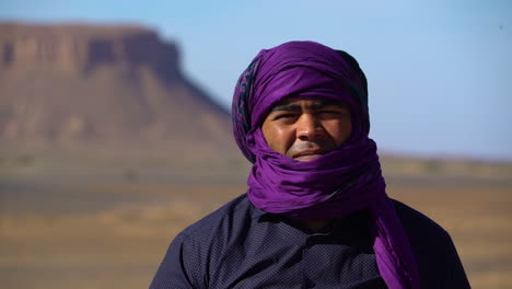 A-Muslim-Touareg-man-poses-for-a-portrait-in-Morocco-2