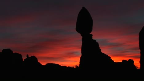 A-remarkable-balancing-rock-formation-at-goldenhour-in-Arches-National-Park-Utah