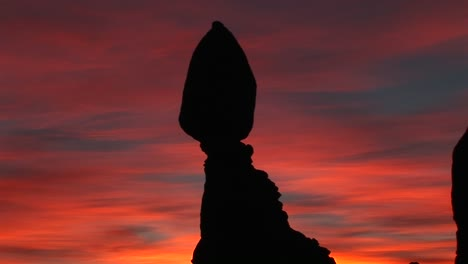 Balanced-Rock-stands-against-a-brilliant-sky