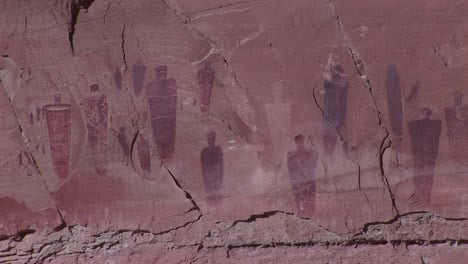 A-slow-zoom-into-ancient-and-mysterious-giant-petroglyphs-in-Canyonlands-National-Park-Utah