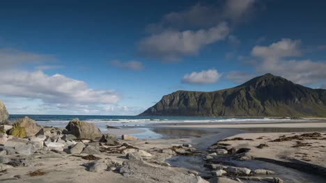 Lofoten-Beach-Pan-4K-00