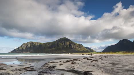 Lofoten-Beach-Pan-4K-01