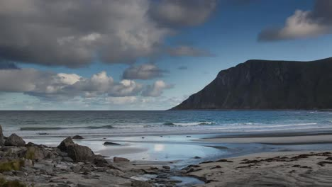 Lofoten-Beach-Pan-4K-02