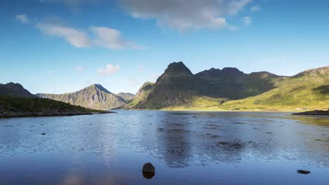 Lofoten-Lake-Reflection-4K-07