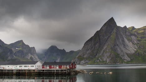 Lofoten-Village-View-4K-07